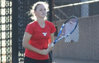 Paula de Man Wins Collegiate Debut in YSU Loss at BGSU