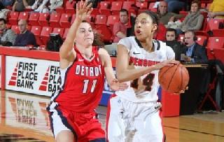 Karen Flagg Named Horizon League Women's Basketball Newcomer of the Week