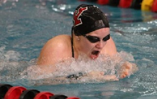Samantha Roberts Named HL Swimmer of the Week