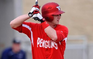 Heath's Homer Sends Penguins to Doubleheader Split with Morehead