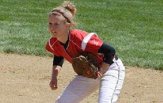 Seven-Run Seventh Leads Softball to Split at Eastern Michigan