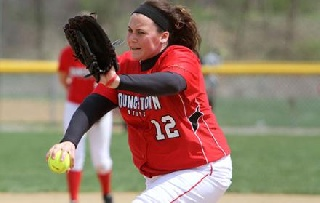 Softball Qualifies for HL Tournament After 3-2 11-Inning Win Over Valpo