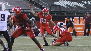 Late Field Goal Lifts Penguins Past Southern Illinois, 17-14